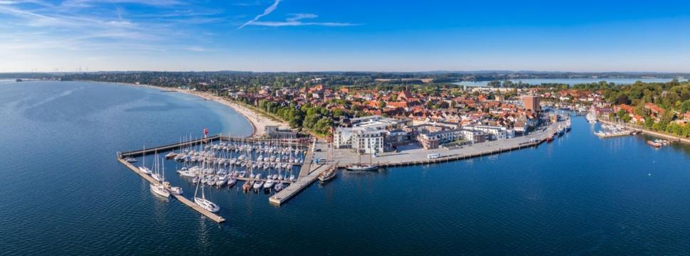 """Eckernförde, hier mit Blick auf die Hafenspitze, ist der Forschungsraum im Projekt """"Eckernförder Bucht 2030"""", © ETAG (Stadtmarketing Eckernförde)"""