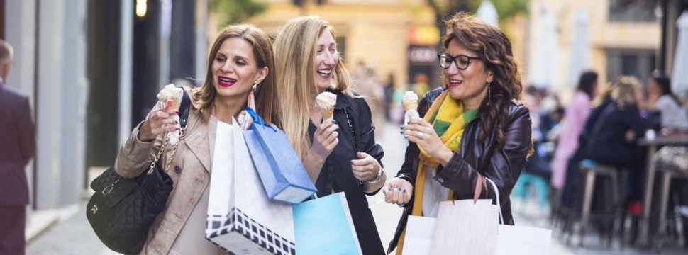 Shopping, © Sladic / iStock.com