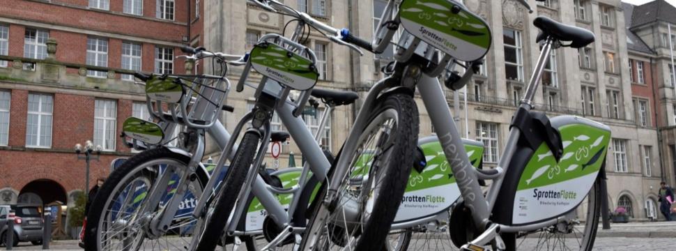 SprottenFlotte vor dem Kieler Rathaus, © KielRegion GmbH