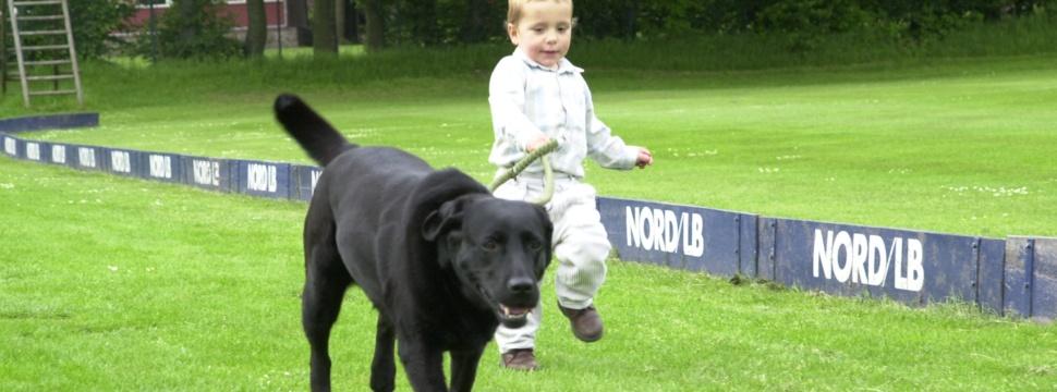 Hund mit Kind, © kiel-magazin.de