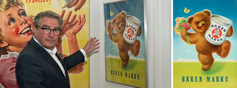 """Links: Buchhändler Wolfgang Erichsen hat ein Herz für das Plakat der """"Bärenmarke""""-Dosenmilch,  LH Kiel/Stadt- und Schifffahrtsmuseum; Rechts: Bär der """"Bärenmarke""""-Dosenmilch Klassiker der Plakatwerbung"""