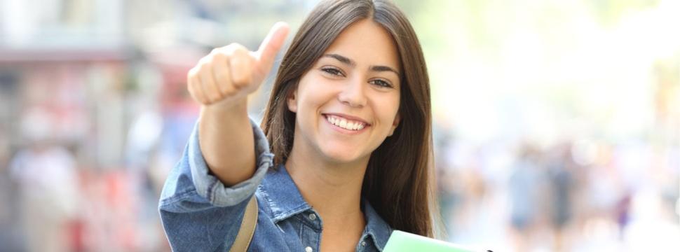 Studentin, © iStock.com / Antonio Guillem